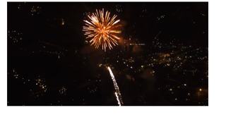Echuca, Victoria, Celebrates Easter With Spectacular Fireworks Display - Video