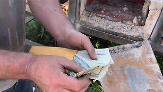 Treasure hunters discover safe full of money while demolishing abandoned mansion