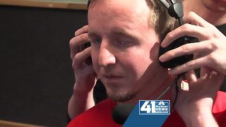 Blind Chiefs fan meets the 'voice of football' - Video