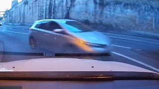 Near Collision as Car Turns Into Oncoming Traffic Near Woolloomooloo, Sydney - Video