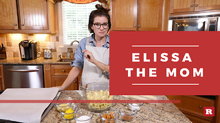 Apple pies on-the-go with Elissa the Mom | Rare Life - Video