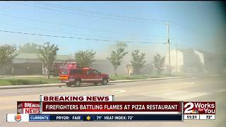 Fire breaks out at south Tulsa pizza restaurant - Video