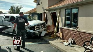 Vehicle smashes into Eaton Rapids restaurant, no injuries reported - Video