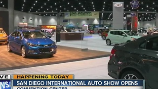 San Diego International Auto Show opens at the Convention Center - Video