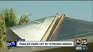 Mesa trailer park hit by strong winds - Video