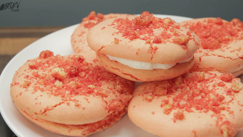 Falmin' Hot Cheetos Macarons