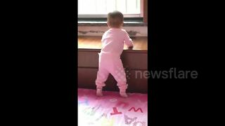 This baby really likes dance music and has the moves to prove it - Video