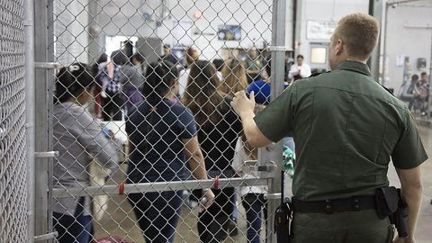 DHS, HHS Trying To Reunite Parents And Kids Separated At The Border
