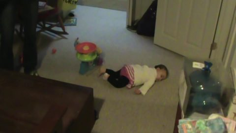 A Baby Girl Pretends To Sleep When Her Mom Turns The Vacuum