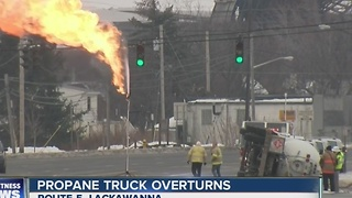 Propane delivery truck accident in Lackawanna closes route 5 for the day - Video