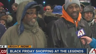 KC shoppers line up for deals on Black Friday - Video