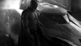 Affleck shows off Batman's new suit