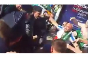 Irish Fans Party With French Police Ahead of Euro 2016 Italy Clash - Video