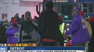 Protesters fighting for higher minimum wage - Video