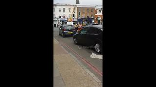 Two women fight in east London following road rage incident - Video