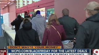 Best Buy shoppers turn out on Thanksgiving to snatch up good deals - Video