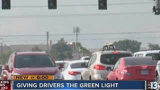 Car company offering red light-reading vehicles in Las Vegas - Video