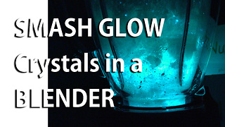 Smash glow crystals in a blender - Video