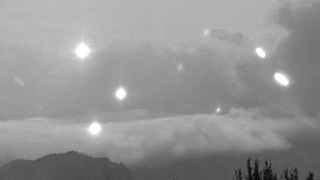 Video Captures Dancing Lights Over Popocatépetl Eruption - Video