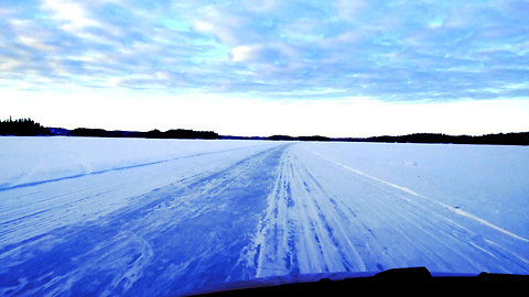 Ice road - Driving TOP of the Lake