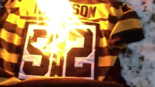 Steelers Fan Burns James Harrison Jersey After He Signs With Patriots - Video