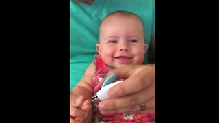 This baby just can't stop laughing. The reason why will make you laugh too! - Video