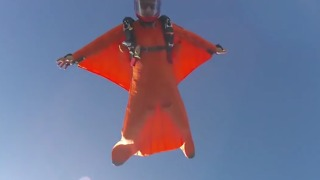 Skydivers Enjoy some Exhilarating Jumps - Video