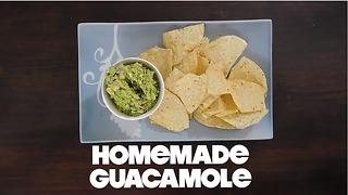 Fresh & Healthy Homemade Guacamole Recipe | MDelicious