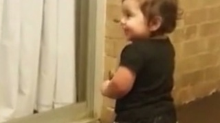 1-year-old dancing to 'All About That Bass' - Video