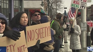 Dozens Rally in Downtown Appleton for Health Care - Video