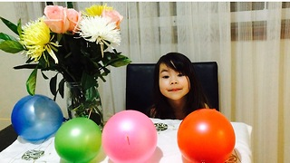 Ballon Trick by 4 years old girl - Video