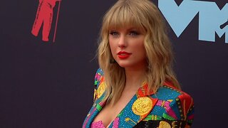 Taylor Swift Urges Fans To Stay Home And Isolate Amid Coronavirus Outbreak
