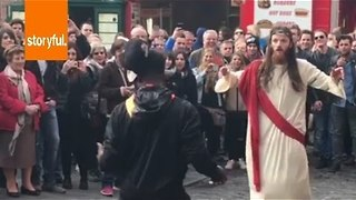 Jesus Lookalike Dances in Dublin - Video