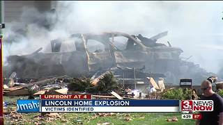 Police identify victims of house explosion in Lincoln - Video