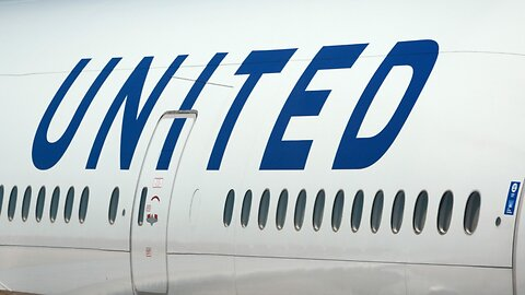 Two United Airlines pilots arrested in Glasgow for trying to fly while drunk