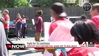 Fight for 15: Fast food workers protest to raise minimum wage - Video