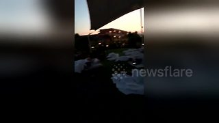 Tourists forced to spend night outside hotel after Greece quake - Video