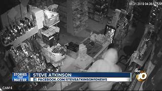 Thieves steal register, cost business owner thousands - Video