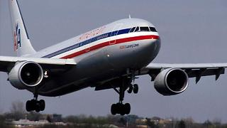 Glitch Reportedly Leaves Over 15,000 American Airlines Flights Without Pilots - Video