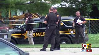 Hostage killed, suspect hospitalized after altercation with deputies - Video