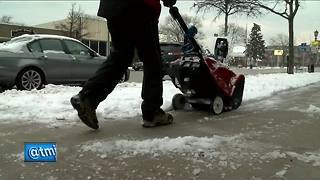 Wintry weather returns to Wisconsin with March snow - Video