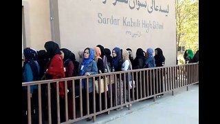 Women Wait in Line in Kabul to Vote in Parliamentary Elections - Video
