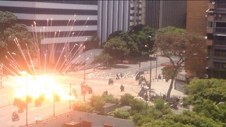 Explosion Injures Venezuelan Police in Caracas - Video
