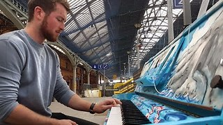 Passenger Plays Pearse Street Station's Piano - Video