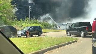 Smoke Billows During Large Factory Fire in Prattville - Video