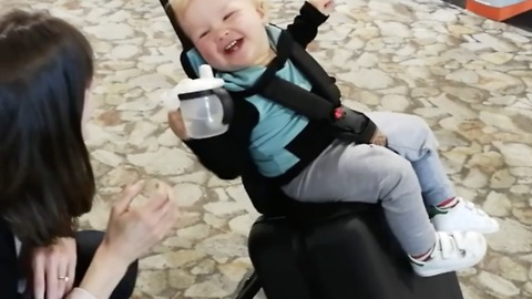 This Stroller Suitcase Makes Traveling With Babies and Toddlers a Breeze