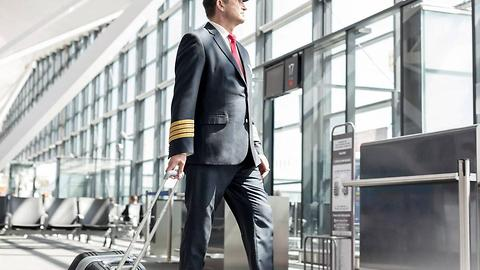 Six Things Pilots Always Notice When They Travel As Passengers That You Don't