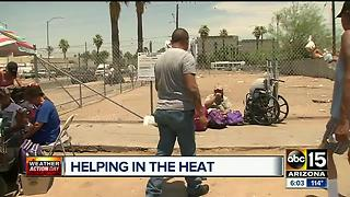 Valley residents rushing into heat to help others - Video