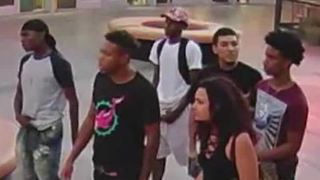 Police seek 7 in violent robbery, beating on Las Vegas Strip - Video