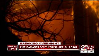 Fire rips through South Tulsa apartment complex - Video